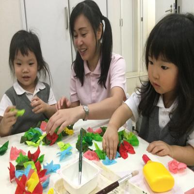 クリスマスリースを作りました!《大阪市中央区心斎橋.長堀橋にある保育園》