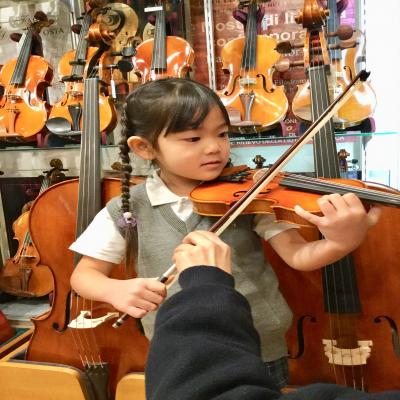 バイオリン体験に行って来ました☆《大阪市中央区、長堀橋、松屋町にある保育園》