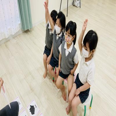 月曜日カリキュラムは英語です!《大阪市中央区、長堀橋にある学べる保育園HUGキッズ》