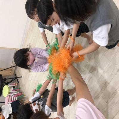 運動会ごっこをしました!《大阪市中央区心斎橋、長堀橋にある学べる保育園HUGキッズ》