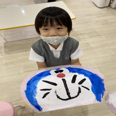 火曜日のカリキュラムはクラフトです!《大阪市中央区心斎橋、長堀橋にある学べる保育園HUGキッス》