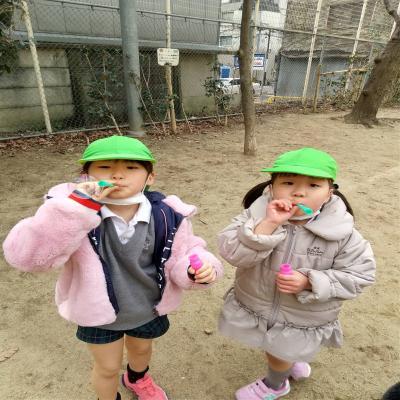 公園へいきましたよ!《大阪市中央区心斎橋、長堀橋にある学べる保育園HUGキッズ