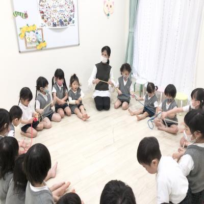 木曜日のカリキュラムはリトミックです♪《大阪市中央区心斎橋、長堀橋にある学べる保育園》