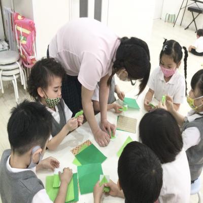 お誕生日会♡と本日のクラフト♪《大阪市中央区長堀橋、心斎橋にある学べる保育園》