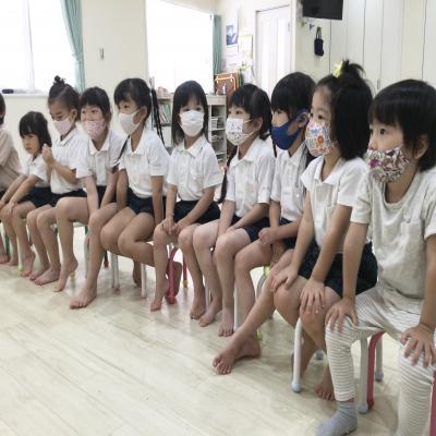 月曜日カリキュラムは英語です!《大阪市中央区心斎橋、長堀橋にある学べる保育園HUGキッズ