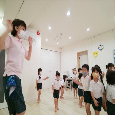 盆踊りを練習しました♫ 《大阪市中央区心斎橋、長堀橋にある学べる保育園HUGキッズ》