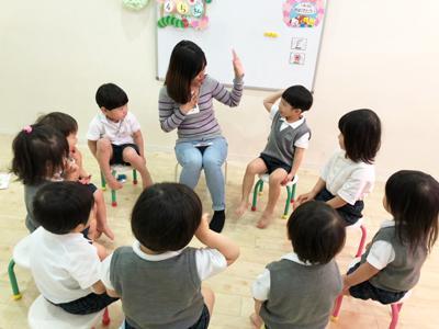 月曜日のカリキュラムはEnglish day!!《大阪市中央区心斎橋、長堀橋にある保育園》