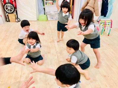 新年度、初めての体操リトミック♫《大阪市中央区心斎橋、長堀橋にある保育園》