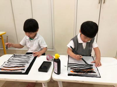 今年度初の、お習字は!?《大阪市中央区心斎橋、長堀橋にある保育園》