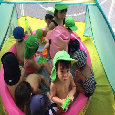今日の水遊び〜♪《大阪市中央区心斎橋、長堀橋にある保育園》