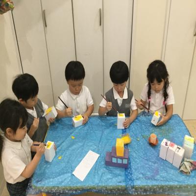 今日のクラフトは〜??《大阪市中央区心斎橋、長堀橋にある保育園》